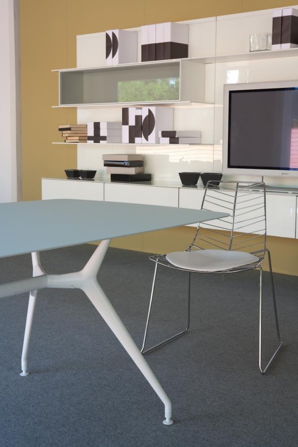Tavolo manta rimadesio for Tavoli design occasioni