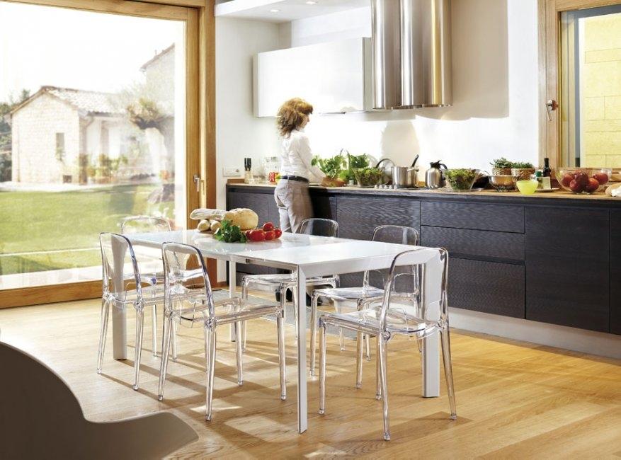Pointbreak infiniti tables for Conforama table et chaises
