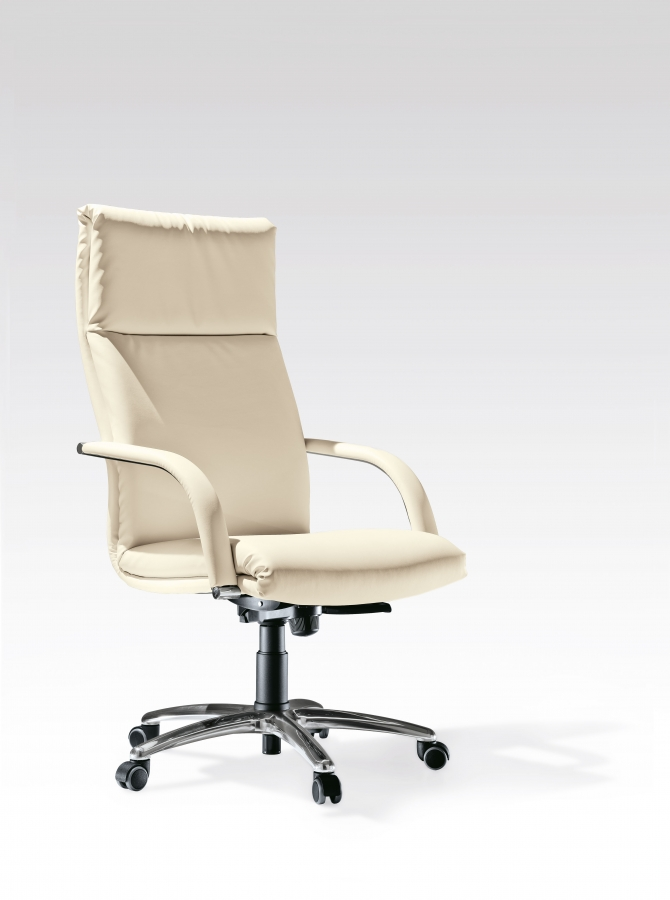Klassic kastel office armchairs for Klassic furniture
