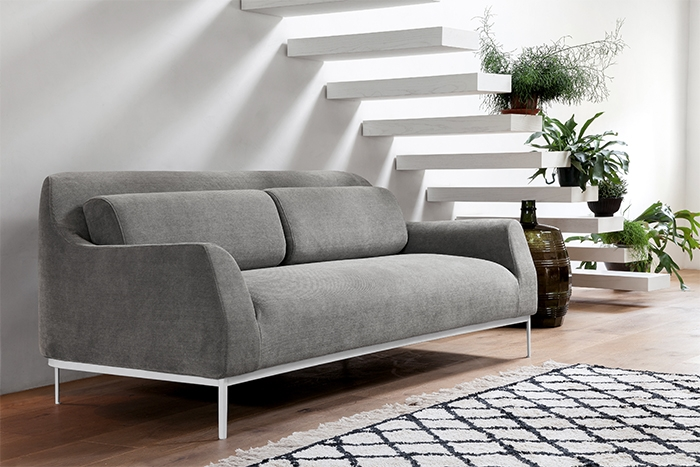Divano Pelle Basamento Metallo Showtime : Luna divano dall agnese poltrone e divani