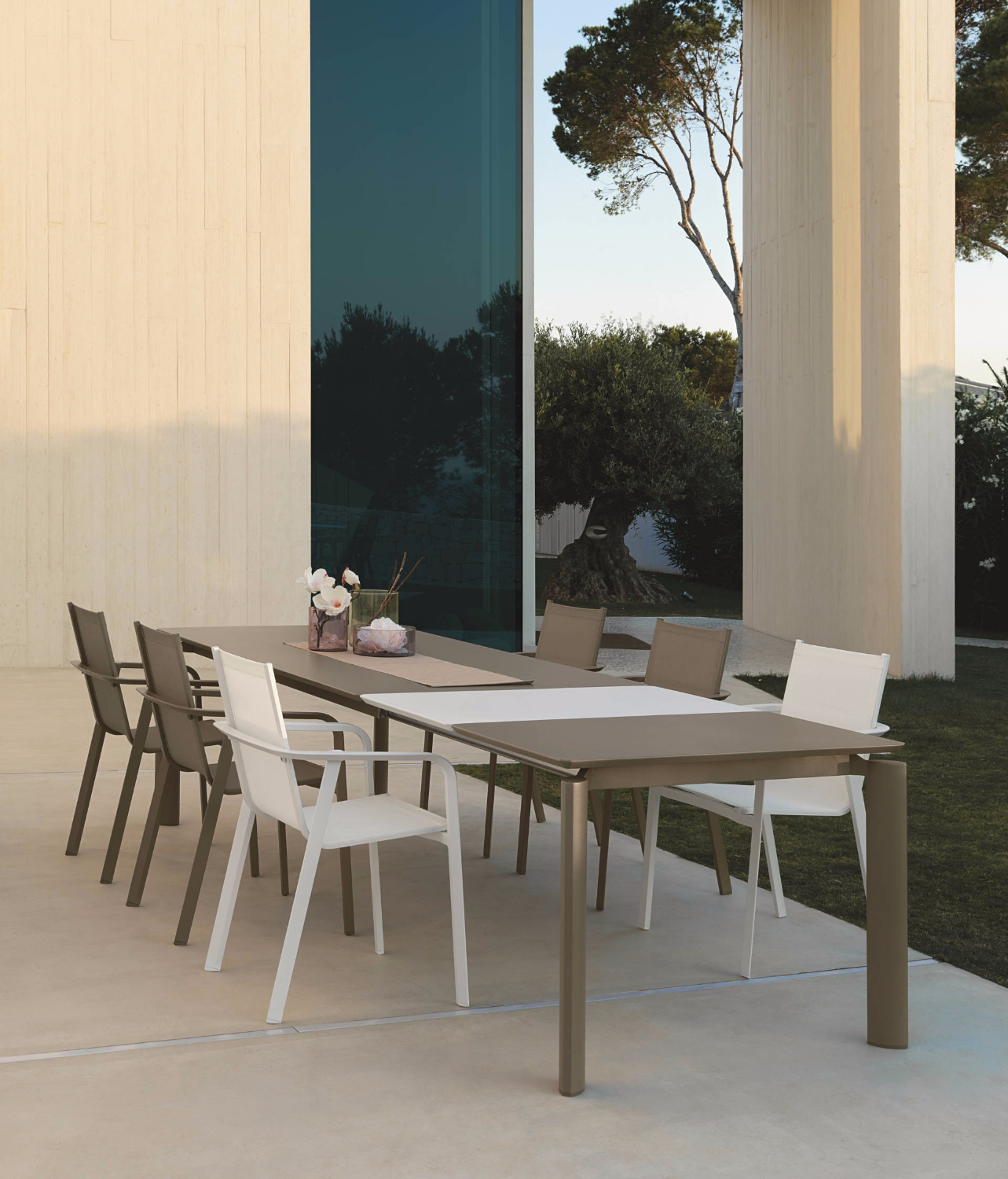 Milo textilene talenti table tables for Table extensible kristalia