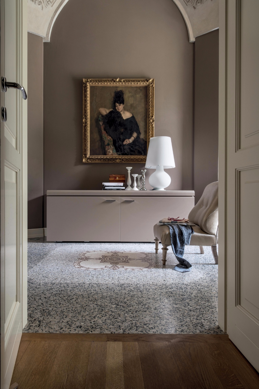 Goya tonin casa bahut for Madia cappellini