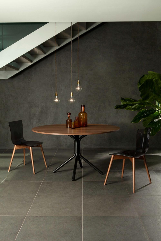 Orio tonin casa tavoli for Tavolo rotondo kristalia