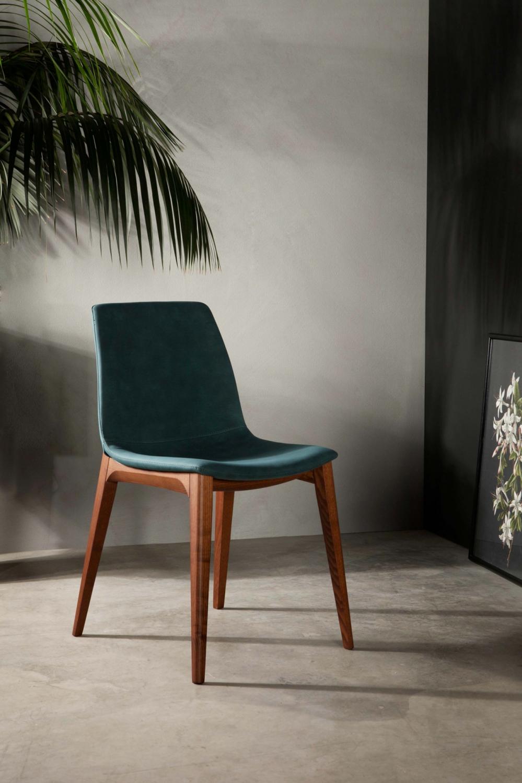 Aralia tonin casa sedie for Sedie per soggiorno moderno
