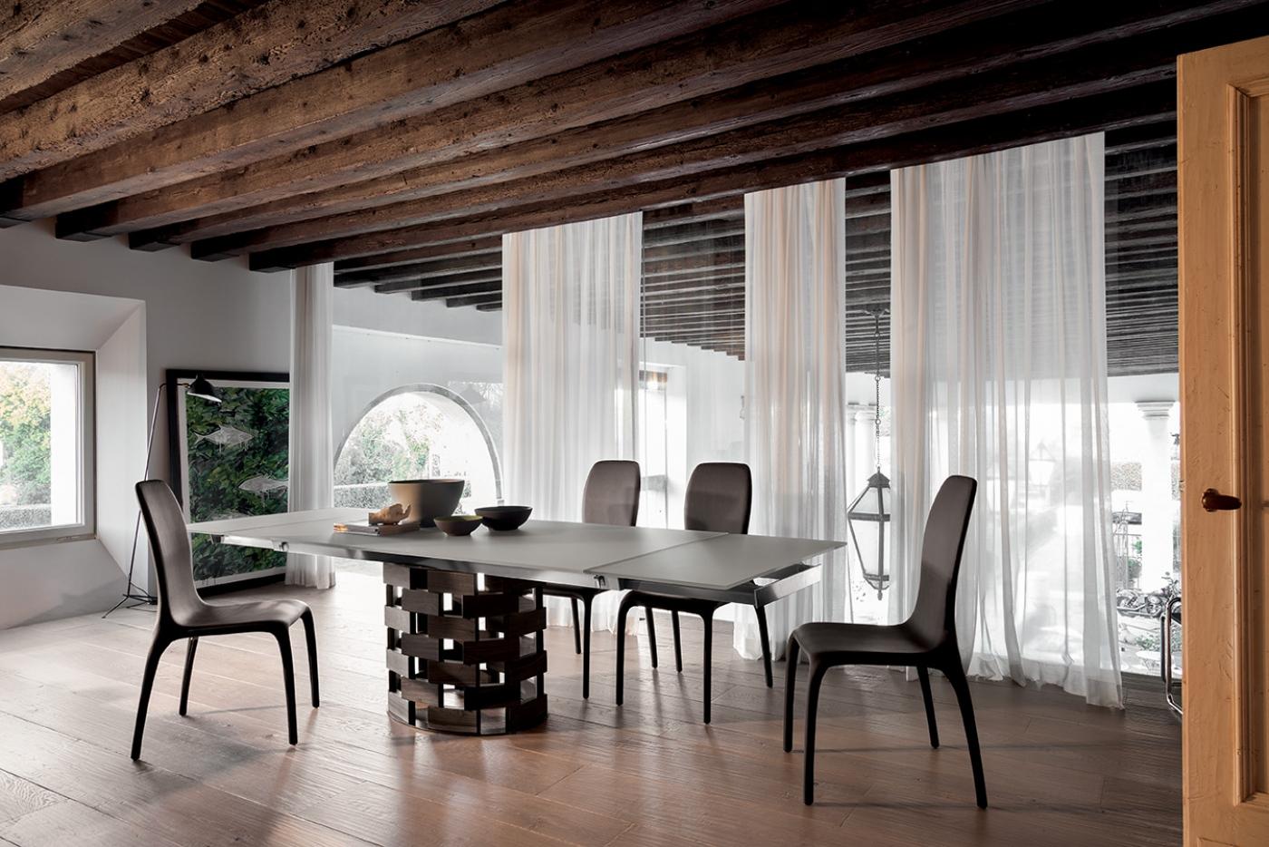 Colosseo tonin casa tavoli for Quattro stelle arredamenti