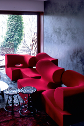 3Nuns stool Moroso