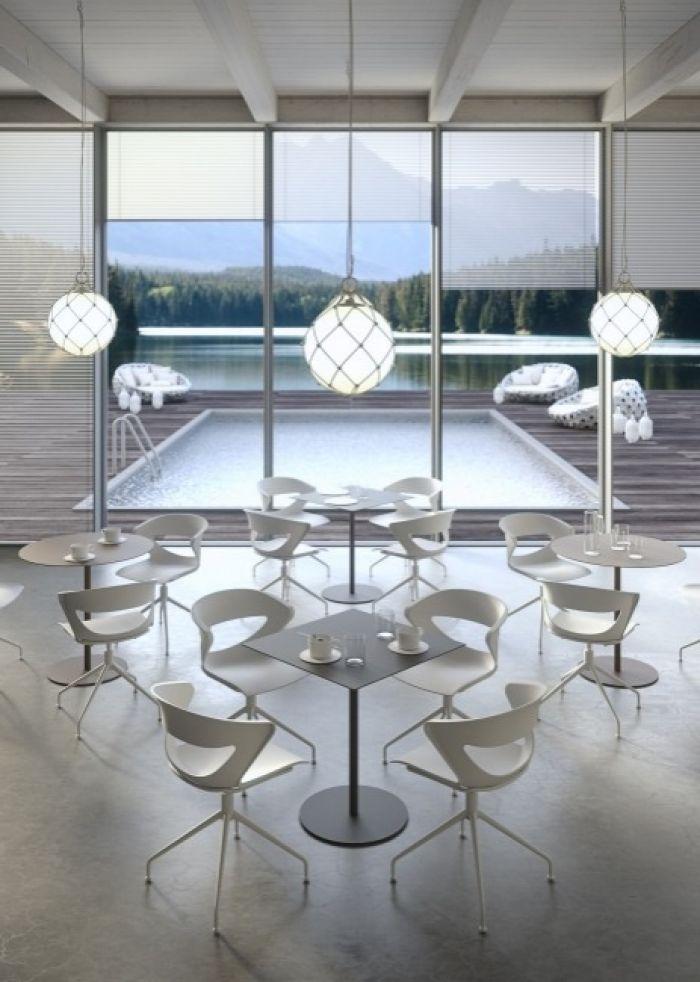 Kapio Kastel table